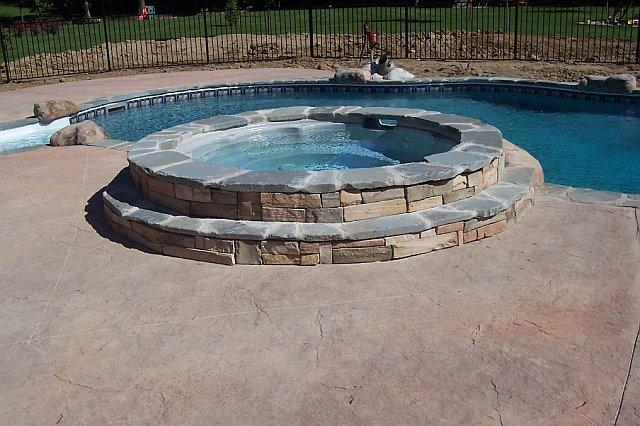 Hartland Vinyl Liner with Spa LegendaryEscapes (23)