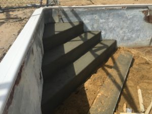 concrete steps in vinyl liner pool